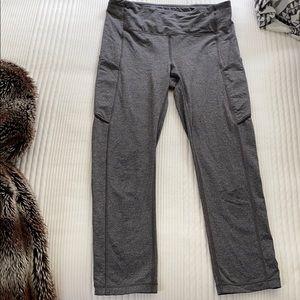 Gray lululemon cropped leggings- size 6